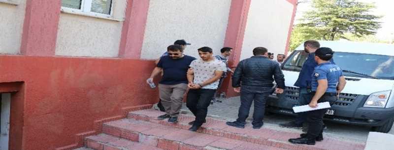 Polisle kavga eden 5 kişi adliyeye sevk edildi