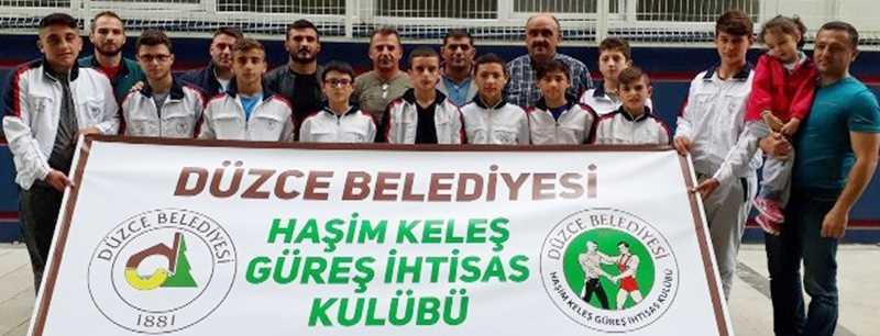 Genç pehlivanlar Ankara'ya gitti