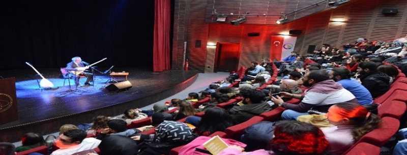 Bağlama ile yöresel Türklerimiz konseri ilgi gördü