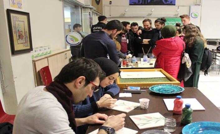 Kaynaşlı MYO'da Ebru ve Çini Etkinliği