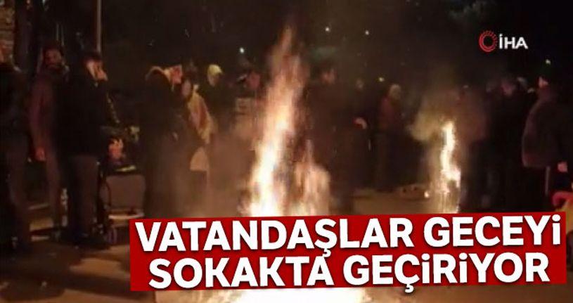 Depremin merkez üssünde vatandaşlar geceyi sokakta geçiriyor
