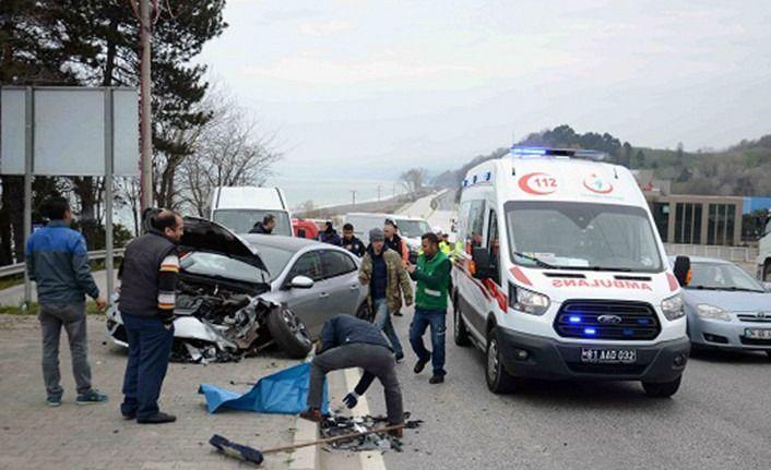 Düzce Zonguldak karayolunda kaza; 2 yaralı