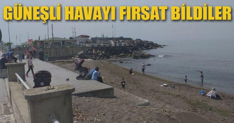 Güneşli havayı fırsat bilen aileler sahillere akın etti
