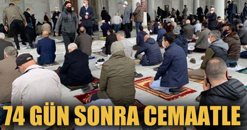 Camiler 74 gün sonra cemaatle buluştu