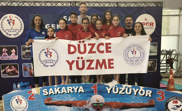 Düzce'li Sporcular Yüzmede Üst Gruplarda