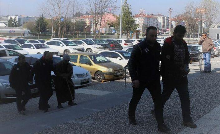 DEAŞ operasyonunda gözaltına alınan 3 kişi tutuklandı