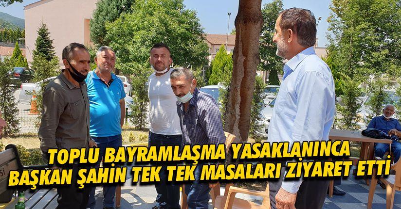 Başkan Şahin meydana vatandaşlarla bayramlaştı