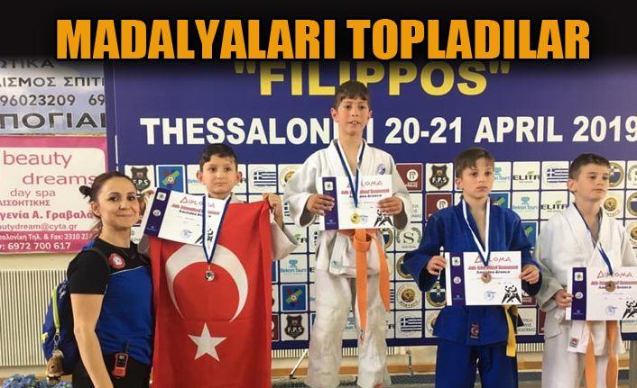Minik Judocular Yunanistan'da Esti