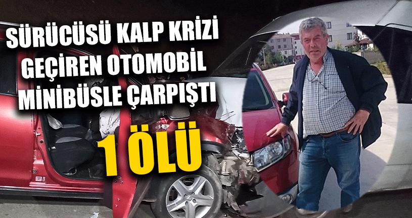 Minibüs İle Otomobil Kafa Kafaya Çarpıştı