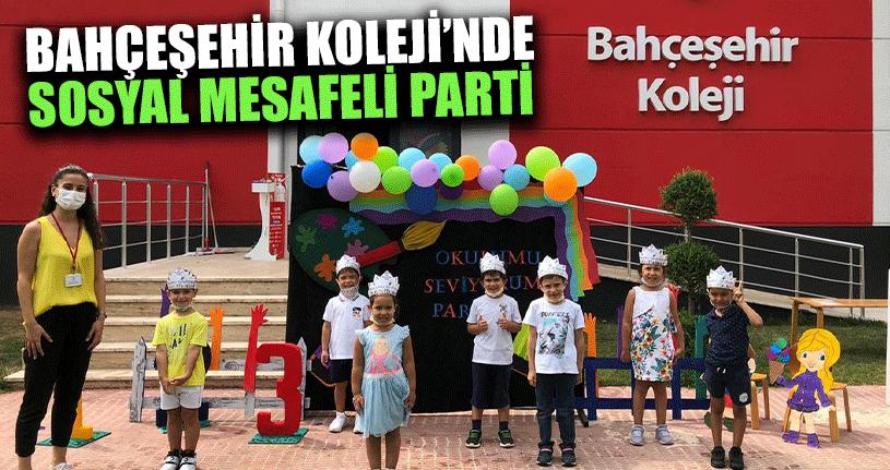 Bahçeşehir Kolejinde Sosyal Mesafeli Parti