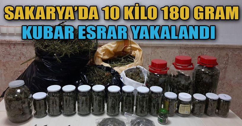 Sakarya'da 10 kilo 180 gram kubar esrar ele geçirildi: 2 gözaltı