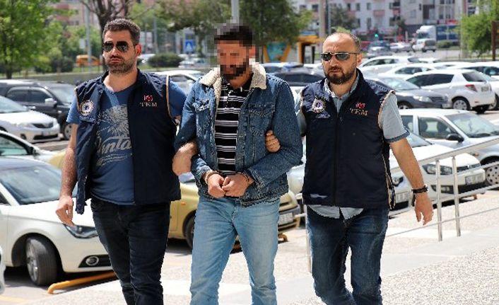 Sosyal medyadan terör örgütü propagandası yapan işçi adliyeye sevkedildi