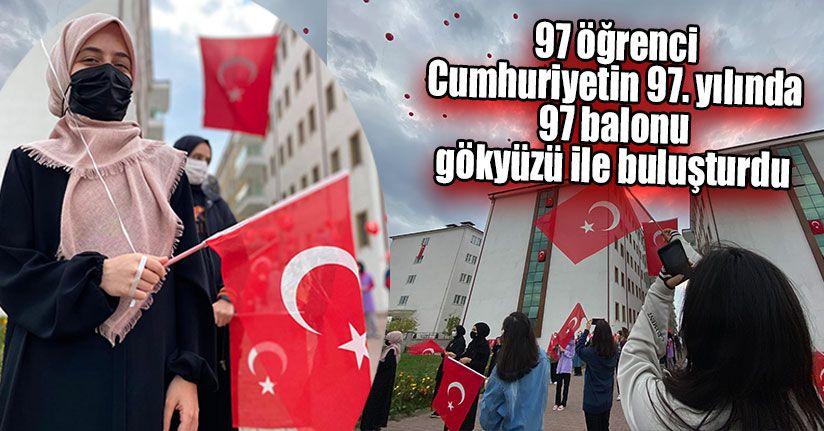 Öğrencilerden Cumhuriyet'in 97. Yılına Özel Etkinlik