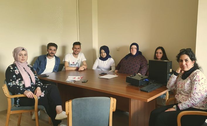 Huzurevinde Çalışan Hemşirelere Yönelik Eğitim Düzenledi