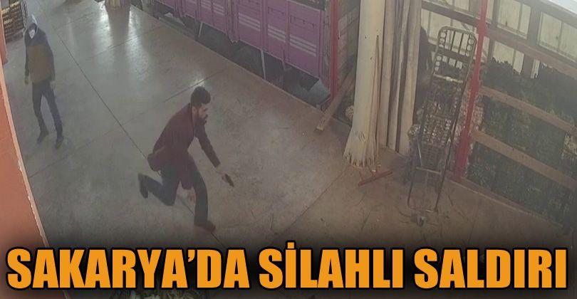 Sakarya'da silahlı saldırgan sebze halindeki şahsı böyle yaraladı