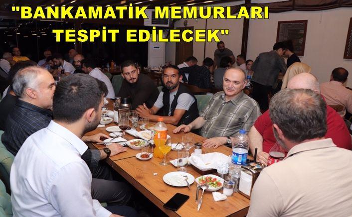 Dr. Faruk Özlü son iftarı gazetecilerle yaptı