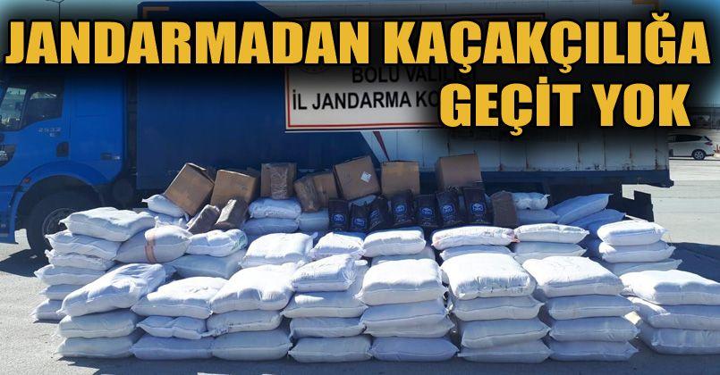 Kaçak ürünlerle dolu kargo araçları jandarmaya yakalandı
