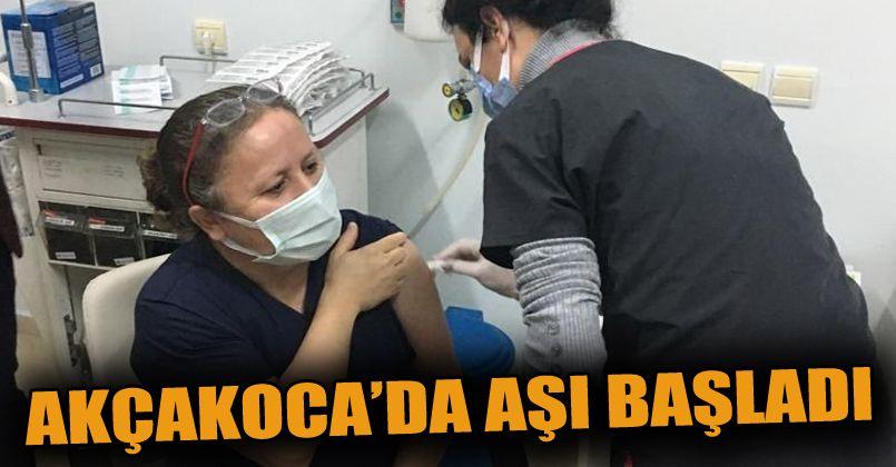 Akçakoca'da aşı başladı