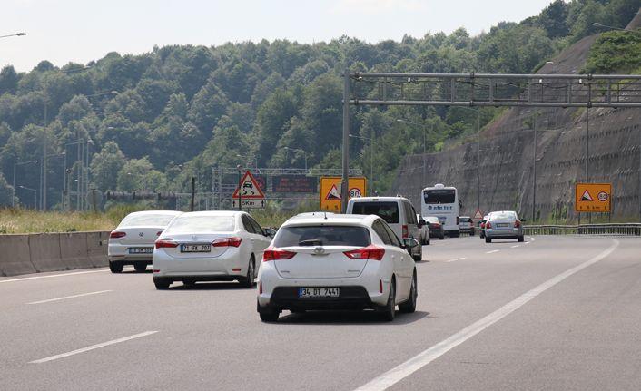 TEM Otoyolu'nda trafik yoğunluğu sürüyor