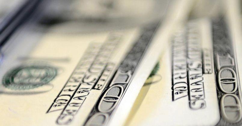 Dolar ve eurodaki düşüş haftanın son işlem gününde de sürüyor