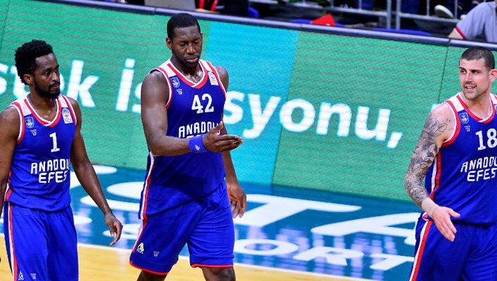 Final serisi Anadolu Efes avantaj kazandı