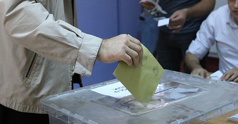 İstanbul seçimlerinde 10 milyon 560 bin 963 seçmen oy kullanacak.