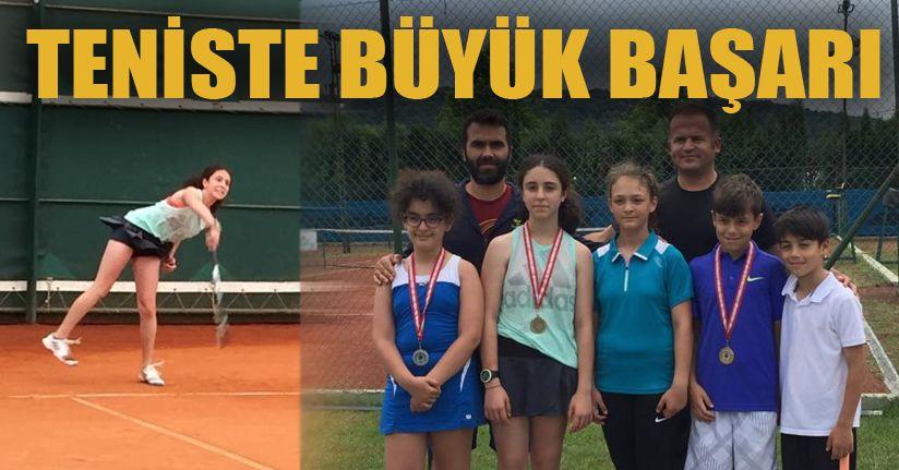 Tenisçilerden 1 altın 2 Gümüş Madalya