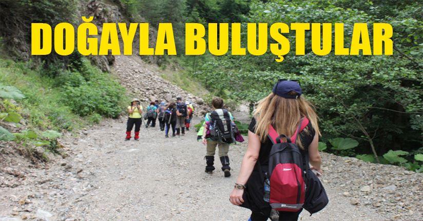 Bolu'da doğa tutkunlarından 18 kilometrelik yürüyüş