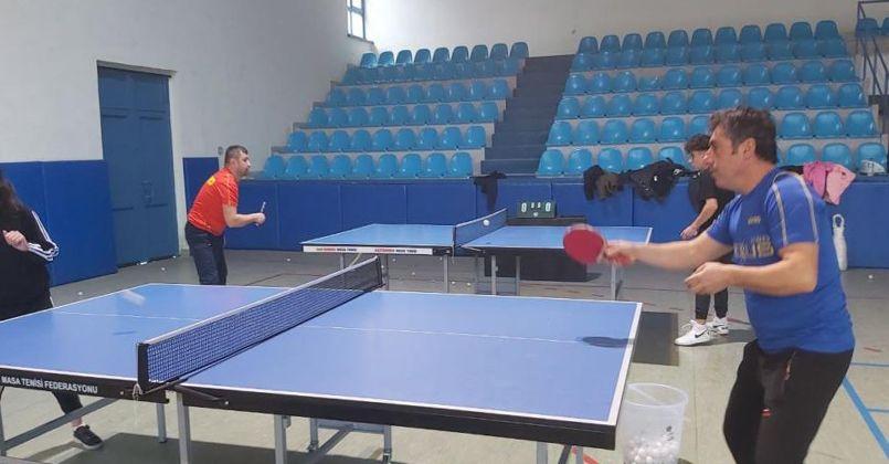 Sanayide yaptığı masa tenisi masaları ile uluslararası turnuvayı ilçeye getirdi
