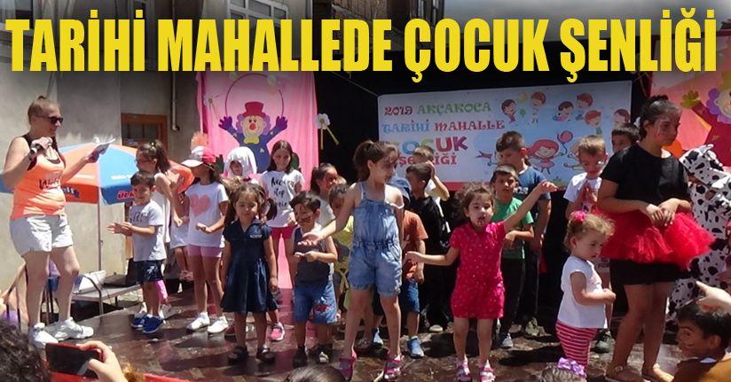 Çocukların yarışmasından renkli görüntüler oluştu