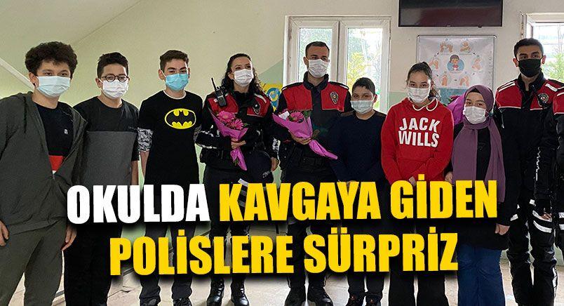 Öğrencilerden Polislere İlginç Sürpriz