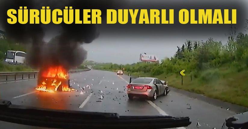 Trafikte yangına giden itfaiyenin yolda yaşadıkları araç kamerasına yansıdı