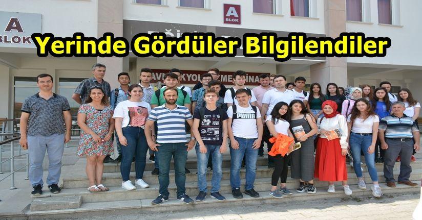 Öğrenciler Düzce Üniversitesi'nde