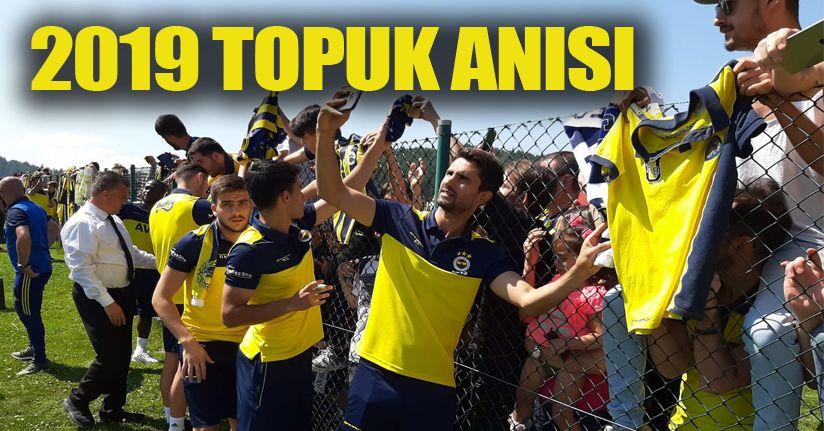 Fenerbahçeli futbolcular taraftarla bir araya geldi