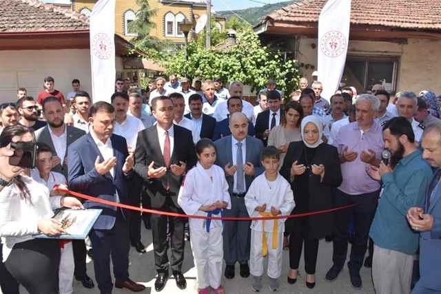 Çilimli gençlik Merkezi Açıldı