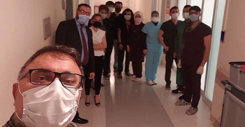 Sağlık çalışanları bayramı hastalarıyla karşıladı