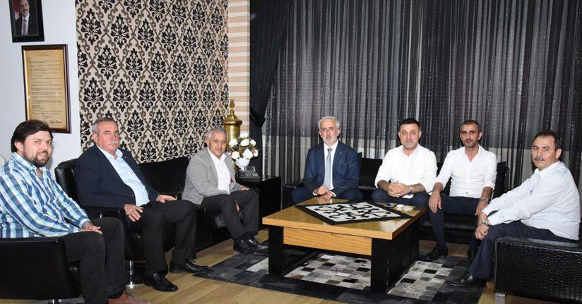 AK Parti Düzce teşkilatından Belediye Başkanı Zeybek'e ziyaret