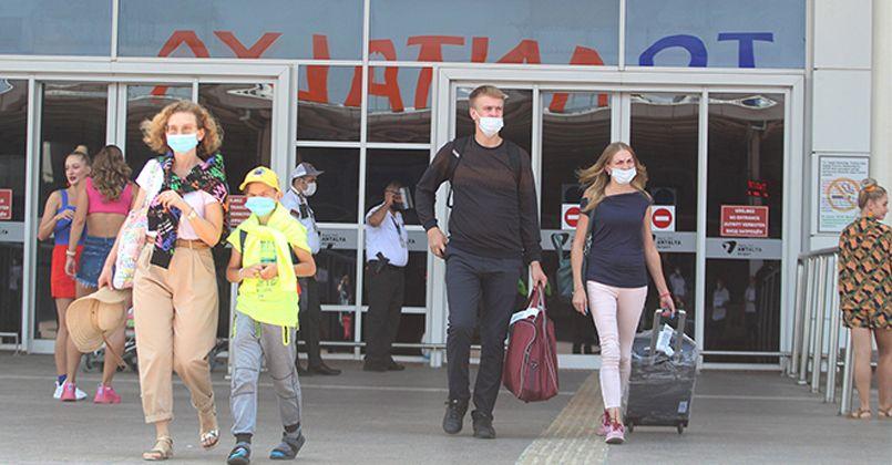 Antalya'ya günde 20 bin Rus turist geliyor