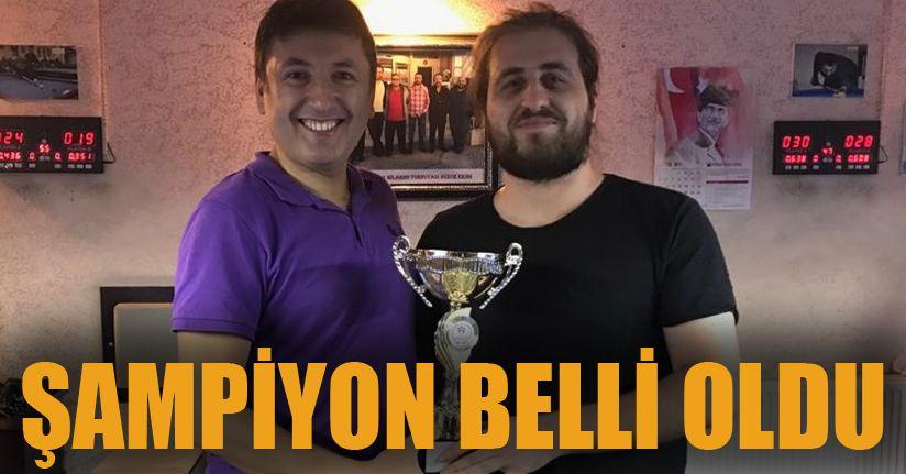 3 Bant Bilardo Şampiyonu Emrecan Uslu