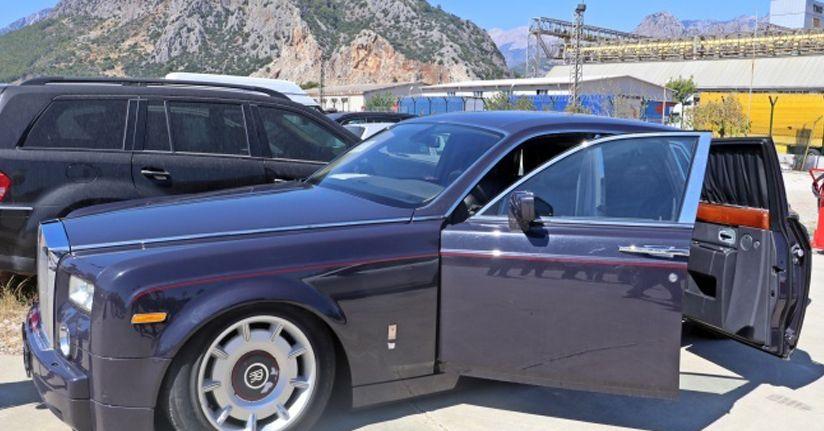 Gümrüğe takılan Rolls-Royce