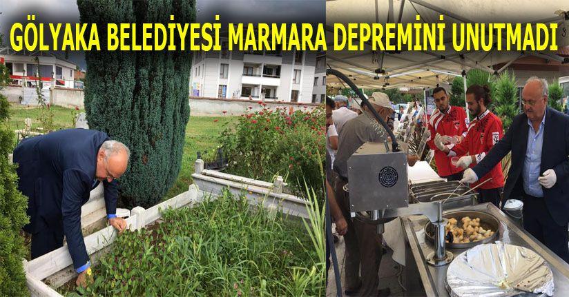 Belediye Başkanı Demircan Lokma ikram etti, kabirleri çiçeklendirdi
