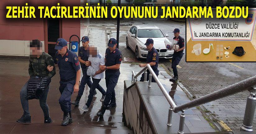 Jandarma Otoyoldan Çıkamadan Tepelerine Bindi