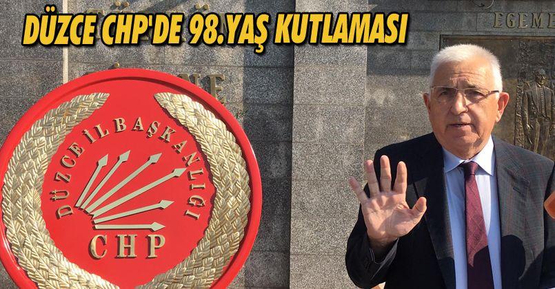 Düzce CHP'de 98.Yaş Kutlaması