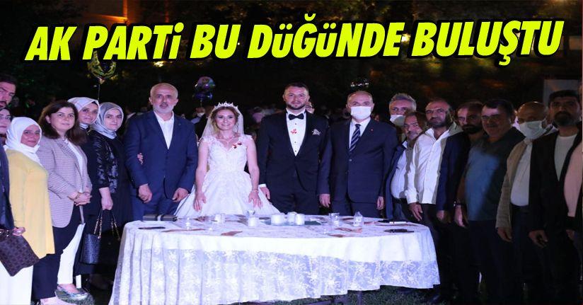 AK Parti Bu Düğünde Buluştu
