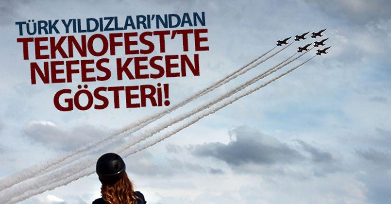 Türk Yıldızları'ndan TEKNOFEST'te gösteri