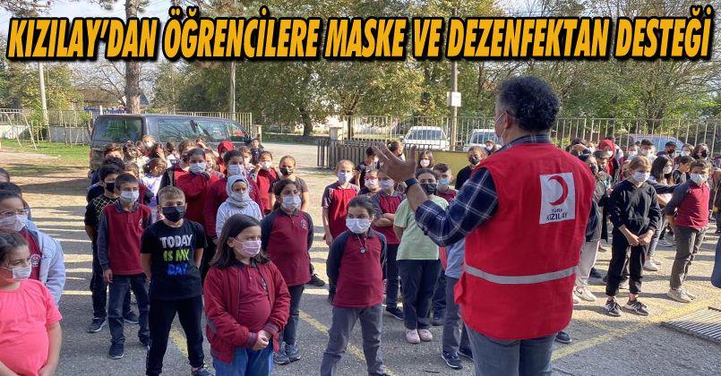 Öğrencilere maske ve dezenfektan dağıtıldı