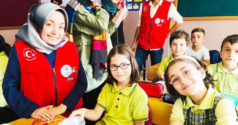 Gönüllü gençler iş başında