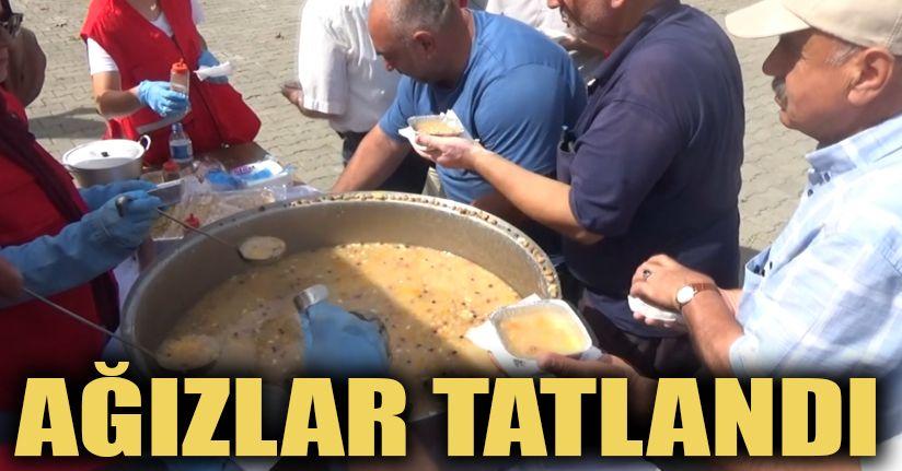 Türk Kızılayı Akçakoca Şubesinden Aşure İkramı